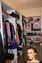 Аскетичная гардеробная Алены Водонаевой