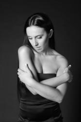 Джамала в черно-белой фотосессии