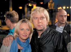 Популярный юморист Сергей Светлаков с женой Юлией