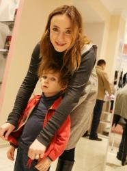 Тутта Ларсен с сыном Лукой
