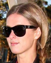 Ники Хилтон и ее солнцезащитные очки