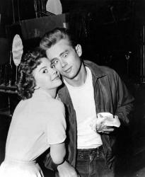 """Джеймс Дин и Натали Вуд на съемках фильма """"Бунтарь без идеала"""", 1955 год"""