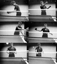 Джеймс Дин играет в пинг-понг, 1955 год