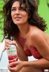 Джессика Зор для рекламы напитка SoBe