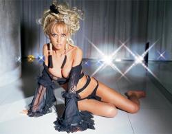 Маша Малиновская - российская модель и телеведущая