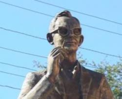 Памятники Леониду Гайдаю и героям его фильмов