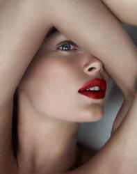 Даутцен Крес в Elle France