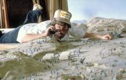 Стивен Спилберг на съемках «Индиана Джонс: В поисках утраченного ковчега», 1981 год