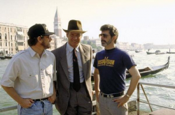 """Стивен Спилберг, Харрисон Форд и Джордж Лукас на съемках фильма """"Индиана Джонс и последний крестовый поход"""", 1988 год"""