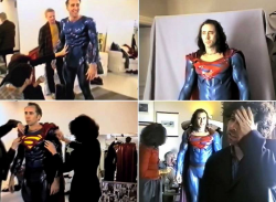 """Николас Кейдж примеряет костюм Супермена для отмененного фильма Тима Бертона """"Супермен жив"""", 1997 год"""