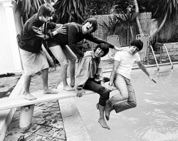 Ринго Старр, Джон Леннон, Джордж Харрисон и Пол Маккартни, 1964 год