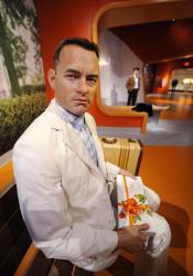 Восковый Том Хэнкс в музее мадам Тюссо в Голливуде