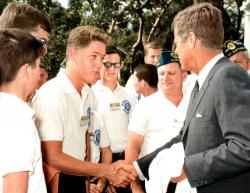 Билл Клинтон и Джон Кеннеди на встрече в Белом Доме, 1963 год