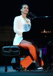 Алиша Киз на сцене
