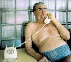 Леонид Брежнев во время отдыха на государственной даче
