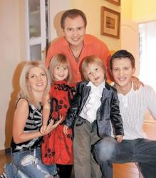 Александр и Эмма Малинины с детьми