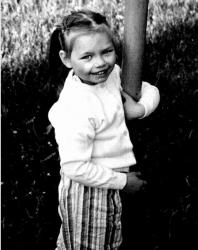 Вера Звонарева в детстве