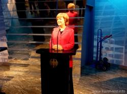 Восковая фигура Ангелы Меркель в музее мадам Тюссо в Берлине