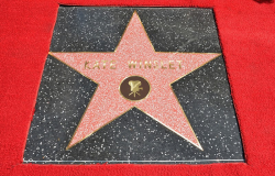 Звезда Кейт Уинслет на Аллее славы в Голливуде