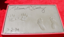 Отпечатки Мелиссы МакКарти в Голливуде