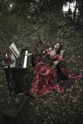 Таня Денисова в готической фотосессии