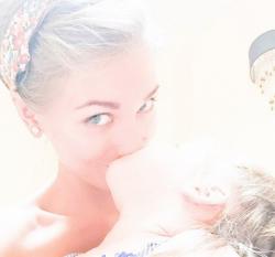 Первое фото дочери Кристины Асмус и Гарика Харламова
