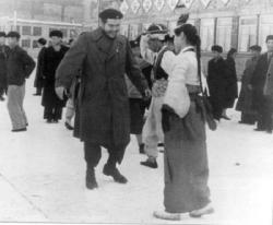 Че Гевара во время визита в дружественную Северную Корею 1960 год