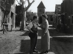"""Знакомство Чарли Чаплина и писательницы Хелен Келлер на съемках фильма """"Солнечная сторона"""", 1919 год"""