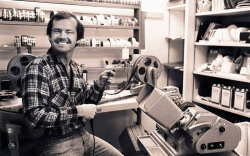 Джек Николсон работает над созданием фильма за аппаратом мовиола, 1971 год
