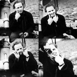"""Марлон Брандо на съемках фильма """"Одноглазые валеты"""", 1960 год"""