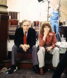 "Марлон Брандо и Мария Шнайдер во время перекура на съемках фильма ""Последнее танго в Париже"", 1972 год"