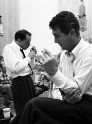 Фрэнк Синатра и Дин Мартин в студии, 1958 год