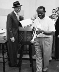 Фрэнк Синатра и Луи Армстронг вовремя репетиции The Edsel Show, 1957 год