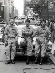 """Билл Мюррей, Дэн Эйкройд и Гарольд Рамис на съемках фильма """"Охотники за привидениями"""", 1983 год"""