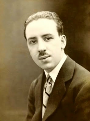 21-летний Альфред Хичкок (1920 год)