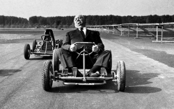 Альфред Хичкок на картинге, 1960 год
