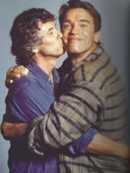 """Пол Верховен и Арнольд Шварценеггер во время съемок фильма """"Вспомнить все"""", 1989 год"""