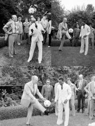 38-й президент США Джеральд Форд играет в мяч с Пеле на лужайке Белого дома, 1975 год