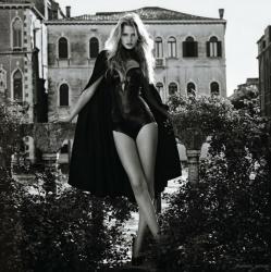 Лара Стоун в Vogue Japan