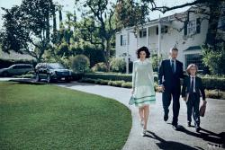 Лара Стоун и Аарон Экхарт в Vogue US