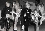 Чак Норрис учит Барбру Стрейзанд некоторым карате-движениям, 1975 год