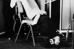 "Джон Леннон на записи песни ""Tomorrow Never Knows"", 1966 год"