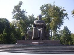 Памятники Тамерлану