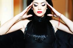 Юлия Кавтарадзе в фотосессии Ольги Навроцкой