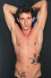 Татуировки Коли Серьги