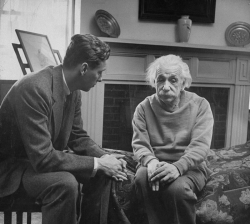 Альберт Эйнштейн со своим терапевтом