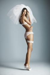 Лили Олдридж в рекламе для Victoria's Secret