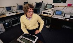 Билл Гейтс в своем офисе, 1983 год