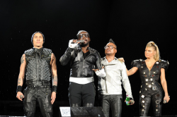 The Black Eyed Peas на сцене