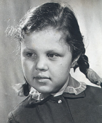 Александра Маринина в детстве и молодости